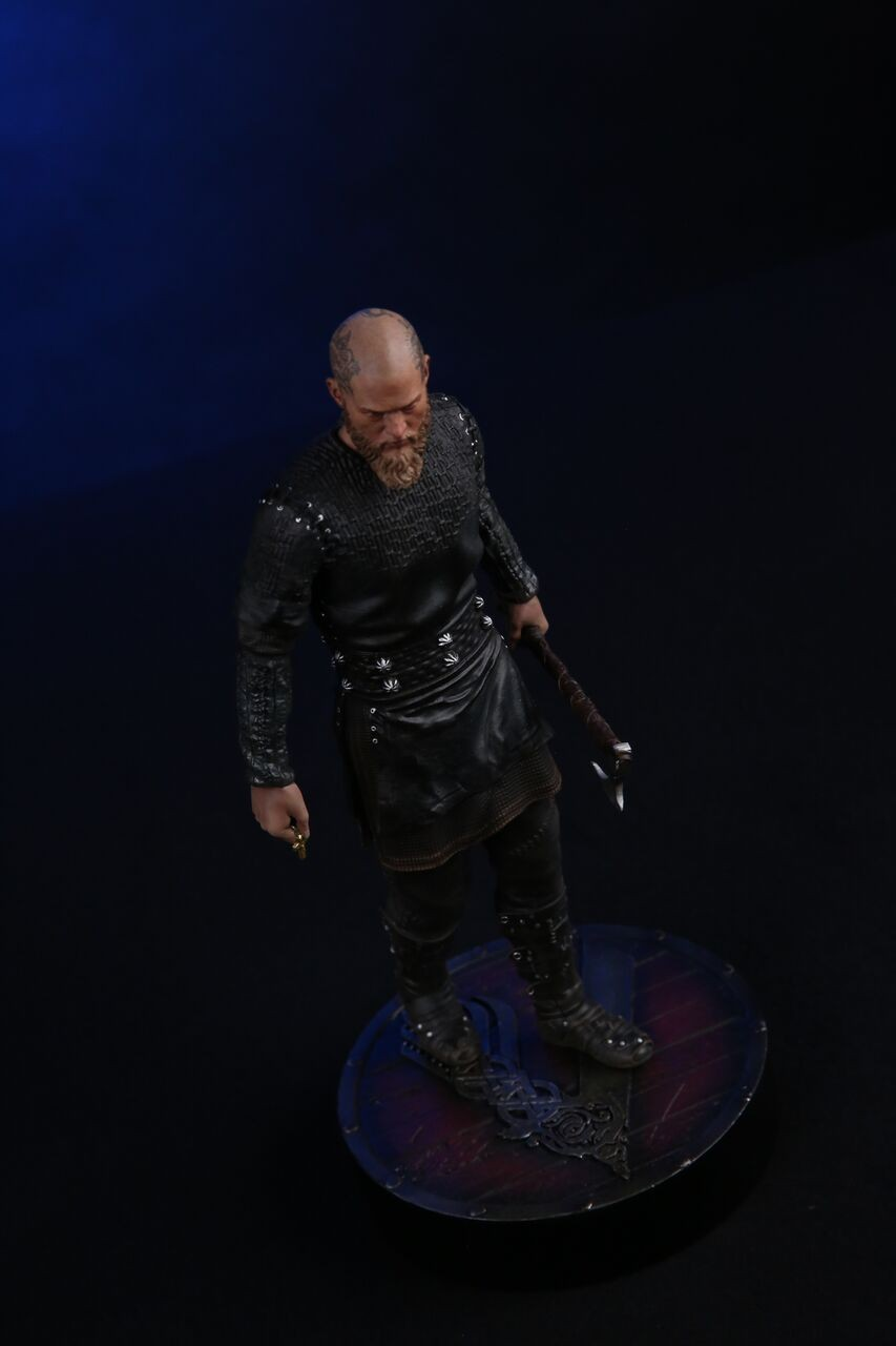 Vikings King Ragnar 1 9 Statue Chronicle Collectibles